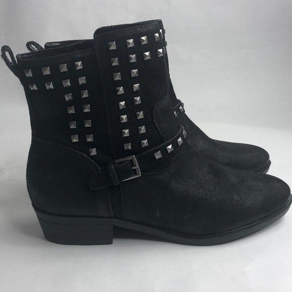 eab166b920 Lauren Ralph Lauren Shoes - 🎉Host Pick Lauren Ralph Lauren boots